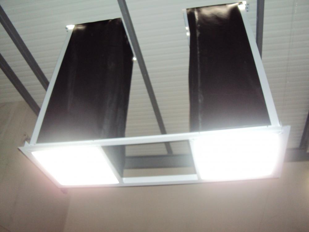 Vista dos 02 dutos instalados antes a execução do forro